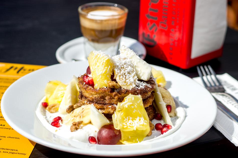 Najedz się w mieście: gdzie na śniadanie, lunche i klimatyczną kolację?
