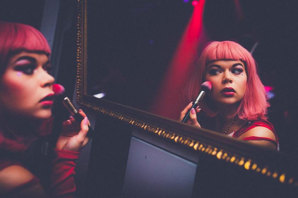 Absurd, muzyka i performance – AKT, nowy klub w sercu stolicy