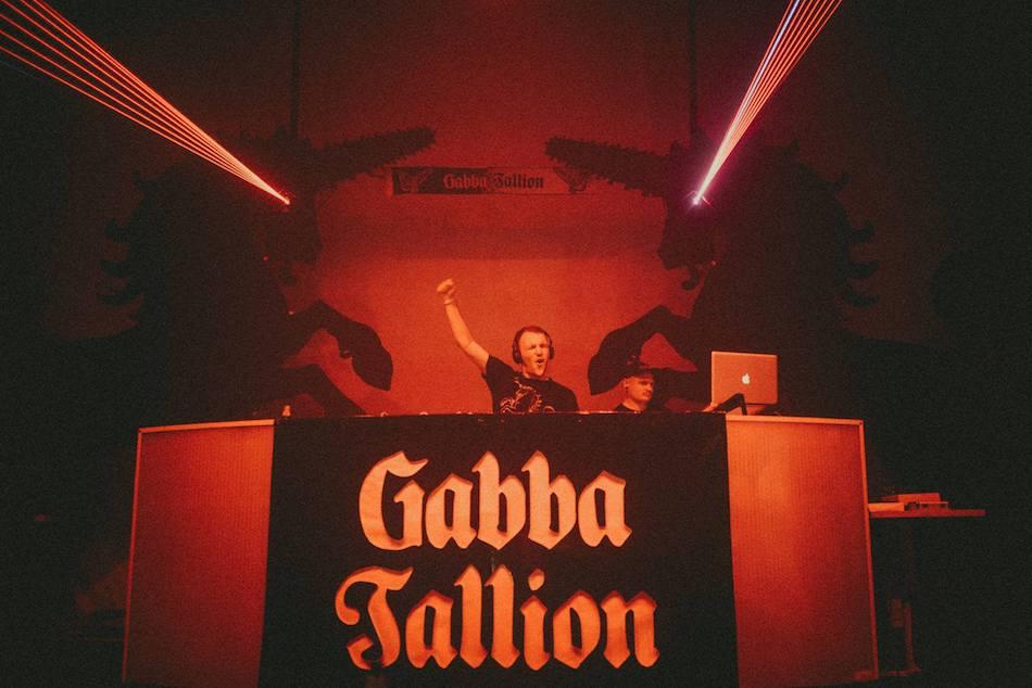 Gabba Going. hardcore impreza