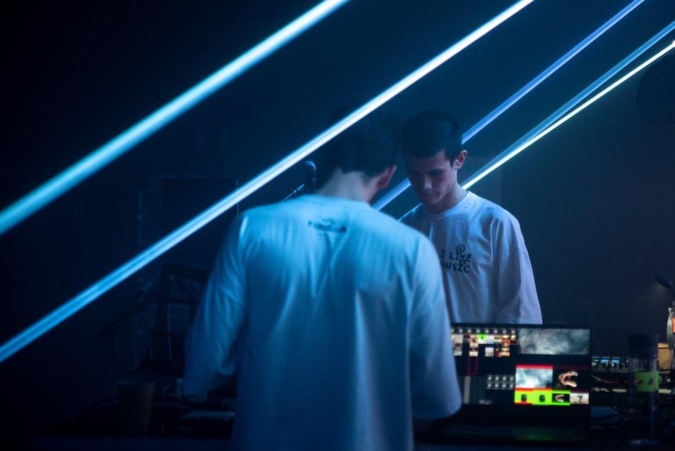 Najdziwniejszy żart świata, muzyka z ejtisowych komputerów i taniec przeciwko rasizmowi – relacja z Unsound Festival