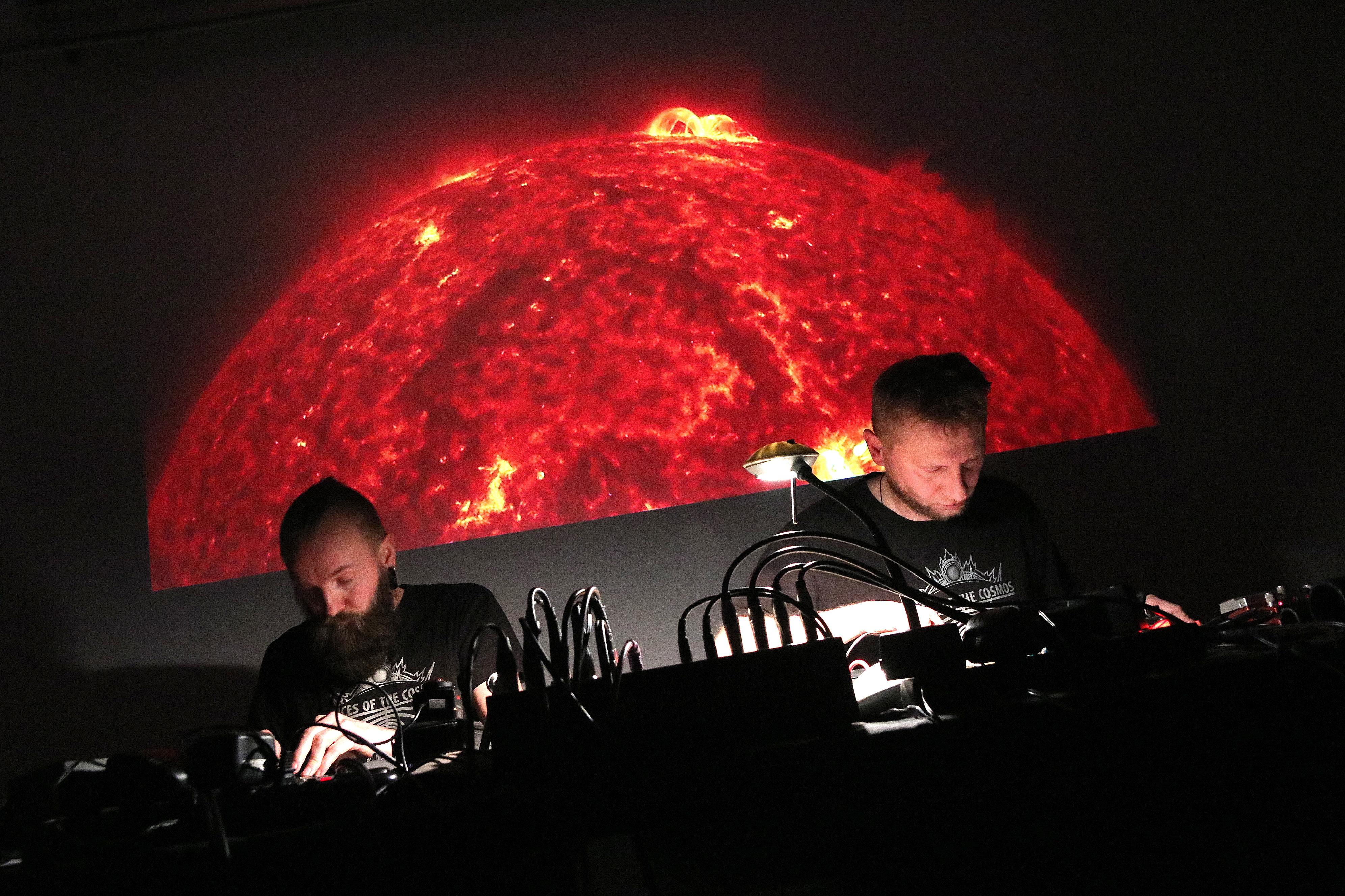 Usłyszeć kosmos – rozmawiamy z twórcami projektu Voices of the Cosmos